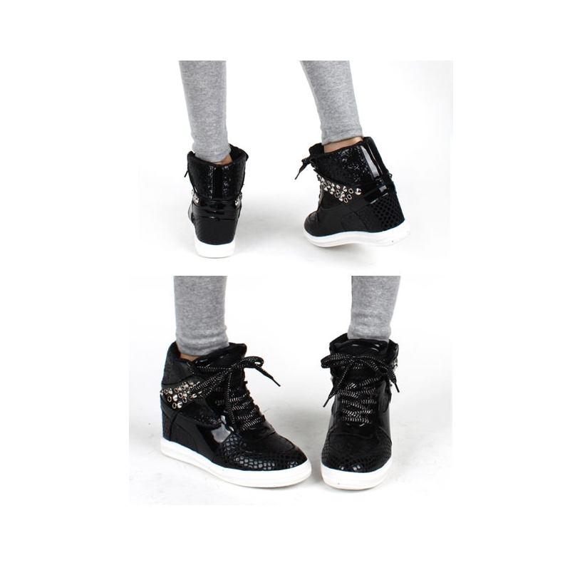 Women's Black Fashion Sneakers Display all pictures