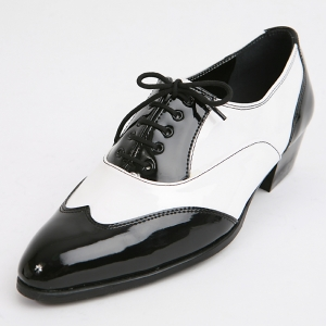 3db0dbba35d4 http   what-is-fashion.com 1615-12441-. Previous. Mens black   white wing  tip ...