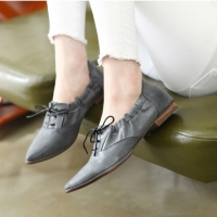 Womens vintage raise pointed toe flat oxfords black