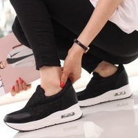 Women's synthetic glitter mesh net thick air platform slip-on sneakers black