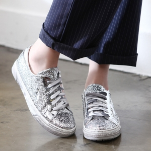 http://what-is-fashion.com/4491-35082-thickbox/women-s-vintage-glitter-silver-star-patch-lace-ups-sneakers.jpg