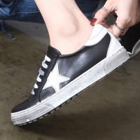 women's vintage oiled star patched lace ups sneakers black