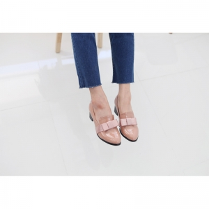 http://what-is-fashion.com/4762-37658-thickbox/women-s-round-toe-front-ribbon-pendant-detailed-pink-glossy-chunky-med-heels-pumps.jpg