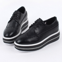 Women's synthetic leather round toe thick platform wing tips lace ups oxfords black