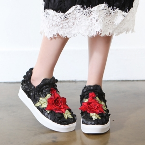 http://what-is-fashion.com/4795-37935-thickbox/women-s-round-toe-pop-up-stitch-rose-patched-fashion-sneakers-black-white.jpg