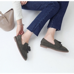 http://what-is-fashion.com/4821-38144-thickbox/women-s-real-cow-leather-round-toe-frill-fringe-tassel-flat-loafers-khaki-beige.jpg