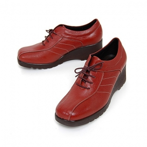 http://what-is-fashion.com/4882-38559-thickbox/women-s-square-toe-red-leather-lace-up-med-wedge-heels-oxfords.jpg