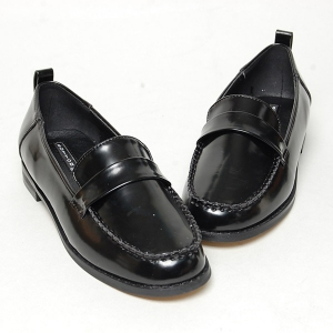 http://what-is-fashion.com/4909-38772-thickbox/women-s-round-toe-u-line-wrinkle-stitch-low-heel-back-tap-loafers.jpg