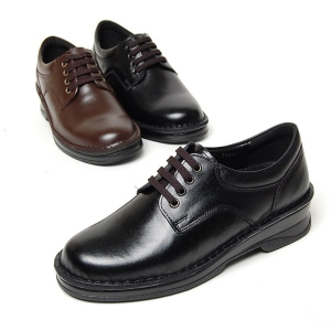 http://what-is-fashion.com/4924-38916-thickbox/women-s-plain-toe-black-leather-eyelet-lace-up-med-heel-oxford-shoes.jpg
