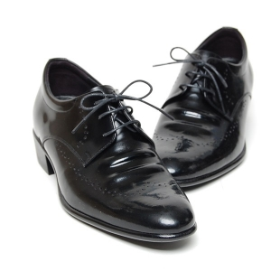http://what-is-fashion.com/4986-39377-thickbox/men-s-wingtip-brogue-increase-height-hidden-insole-oxford-elevator-shoes.jpg