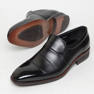 http://what-is-fashion.com/5109-40033-thickbox/men-s-round-toe-stitch-wrinkle-leather-loafer-shoes.jpg
