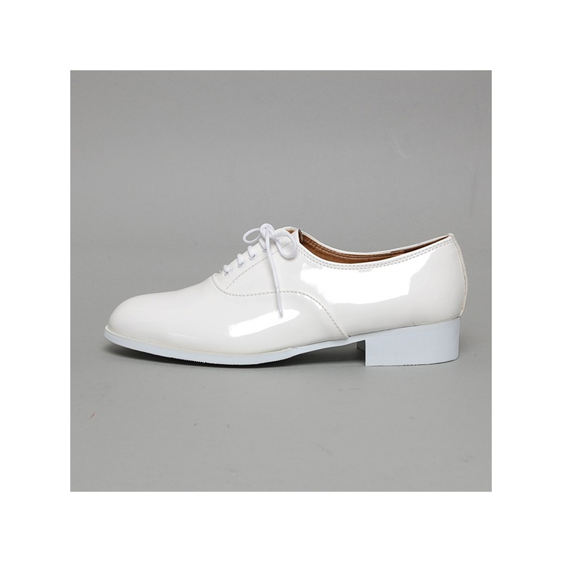 s glossy white oxford shoes