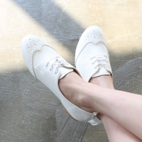 Womens chic white punching wing tip lace up oxford hidden insole elevator shoes
