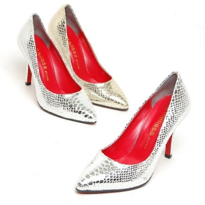 http://what-is-fashion.com/5530-42872-thickbox/women-s-glitter-gold-silver-animal-pattern-pointed-toe-leather-high-heels-pumps.jpg
