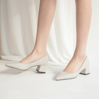 Women's Gray Pointed Toe Chunky Med Heel Pumps