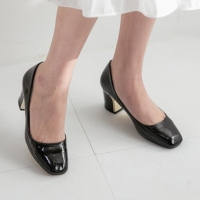 Women's Glossy Square Toe Chunky Med Heels Pumps