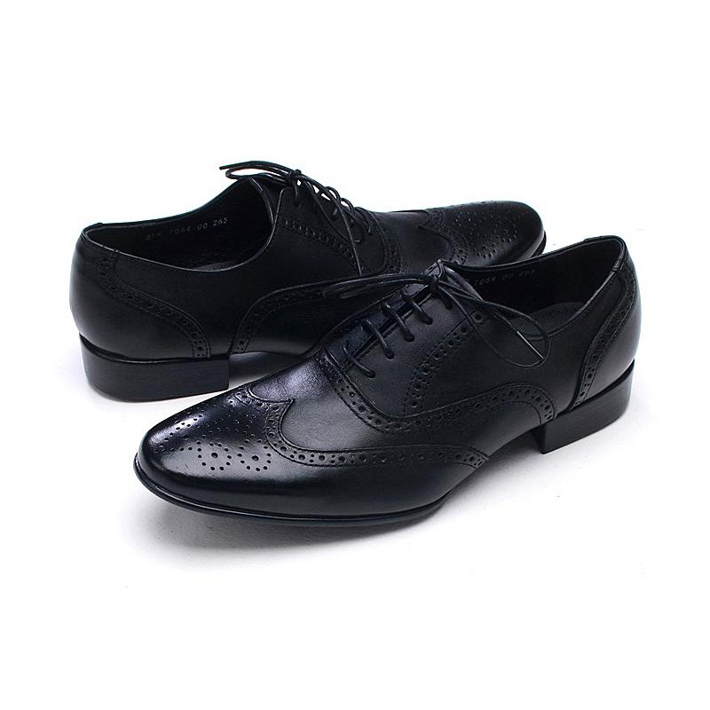 233dc63f7b285 Mens chic wingtips punching Dress shoes