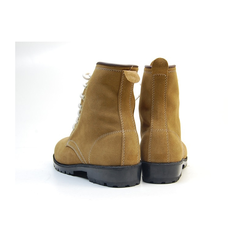 Men's round toe suede combat sole back tap ankle boots