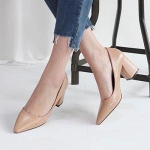 beige pointed toe med heel pumps shoes