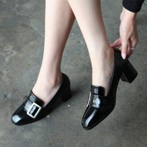 black buckle med heel loafer dress shoes