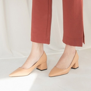 beige pointed toe med heel pumps shoes