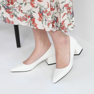 white pointed toe med heel pumps shoes
