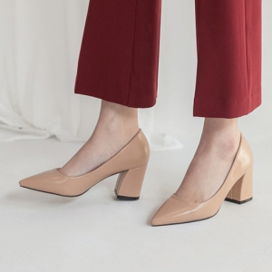 Women's Pointed Toe Chunky Block Med Heel Pumps