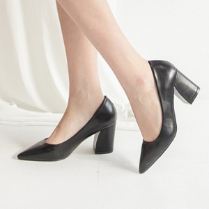 Women's Black Pointed Toe Chunky Block Med Heel Pumps