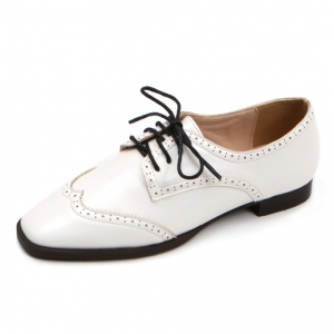 8fea9b1117cb5 Women's White Square Toe Wing Tip Brogue Oxford Shoes